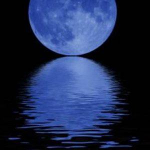 Eclissi lunare sul Po